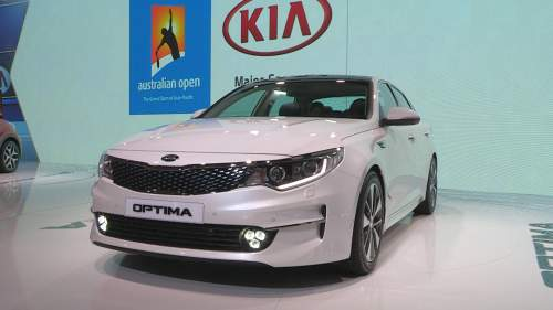 kia-optimawagon__